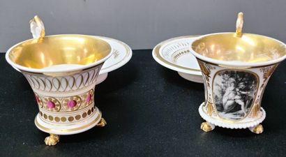 Lot de 2 tasses en porcelaine empire avec...