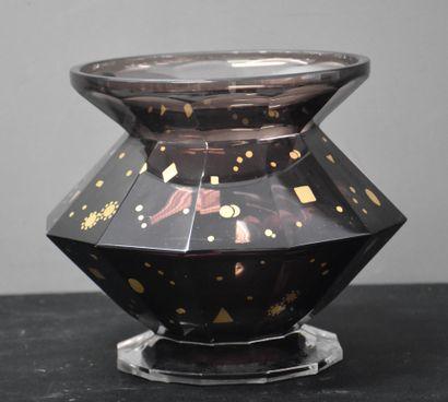 Vase en cristal taillé du Val Saint Lambert...