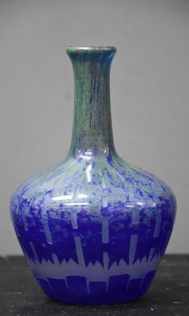Le Verre Français. Soliflore en verre art...
