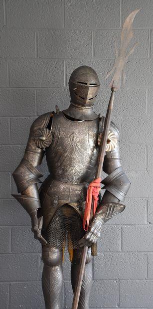 Armure de style médiéval. Travail fin XIX...