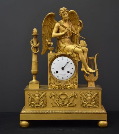 Pendule en bronze doré d'époque empire, Diane...