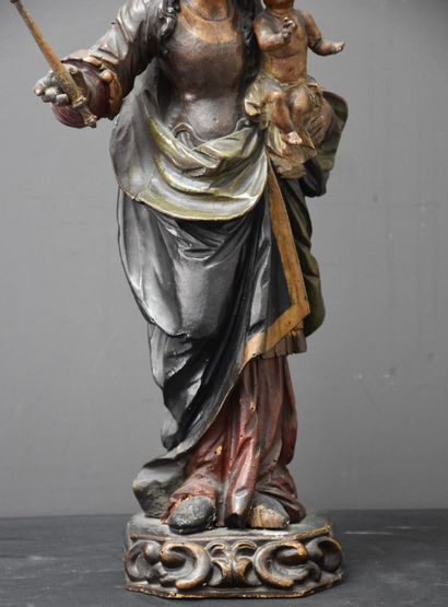 Mother and child in carved and polychromed wood XVIIth century. Height : 53 cm.