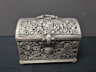 Collection of silver boxes with various hallmarks. Most of them end of 19th century/beginning...