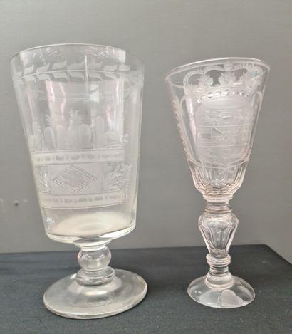 Lot de deux verres en cristal de Bohème à...