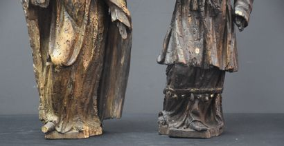 Pair of 17th century wooden sculptures. Small accidents and missing parts. Height...