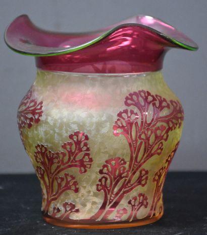 Vase à col évasé en cristal taillé du Val...