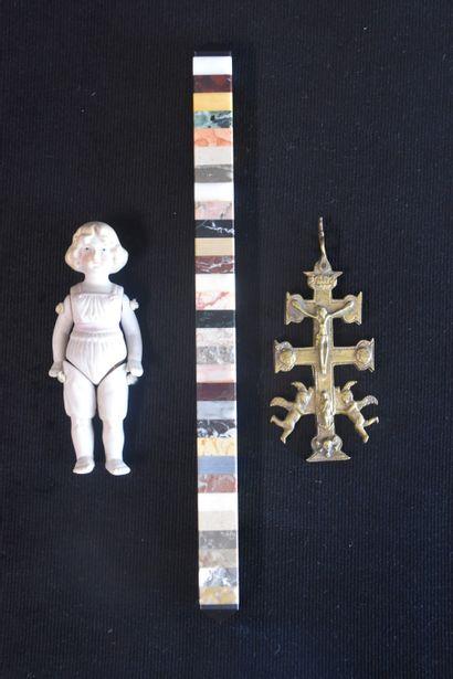 Petit lot varia XIX ème (poupée, reliquaire...