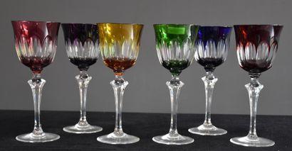 Série de 6 vases en cristal taillé du Val-Saint...