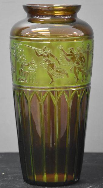 Vase en cristal Urane du Val Saint Lambert,...