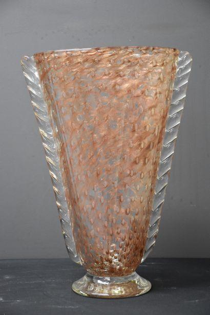 Vase design en verrerie de Murano. Ht : 41...