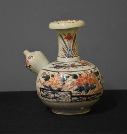 Kendi en porcelaine de Chine XVII/XVIII ème....