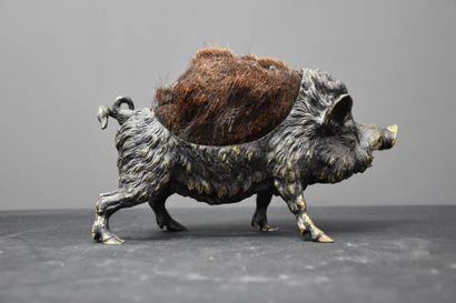 Vienna bronze wipers representing a boar. Mark Geschutz. Length : 22 cm. Height...