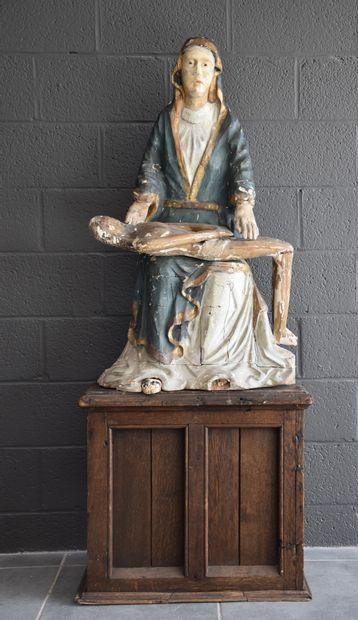 Pieta en bois sculpté et polychromé. Italie...