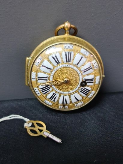 Onion pocket watch with cockerel from the 18th century in very good condition. Gilt...