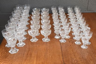 Service de verres en cristal du Val-Saint-Lambert,...