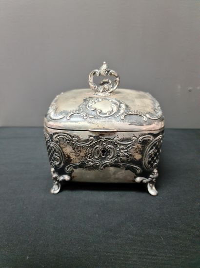 Set of four solid silver boxes circa 1900/1920. Total weight : 1530 grams.