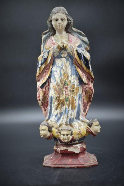 Vierge en prière, bois sculpté et polychromé...