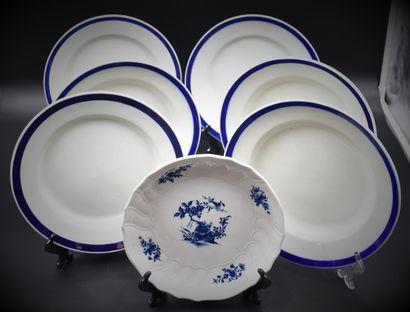 Lot de six assiettes en porcelaine de Tournai...