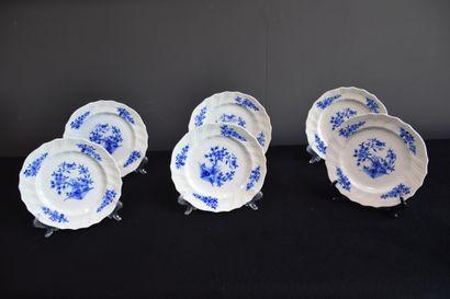 Lot de 6 assiettes à dessert en porcelaine...