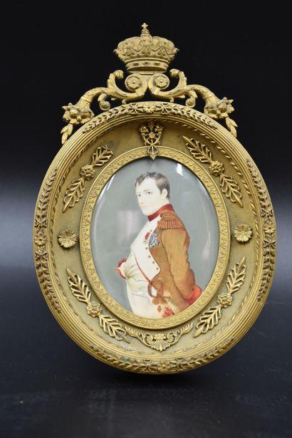 Miniature ovale sur ivoire représentant Napoléon...