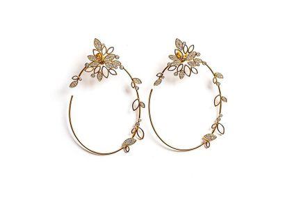 Paire de pendant d'oreilles créole en or...
