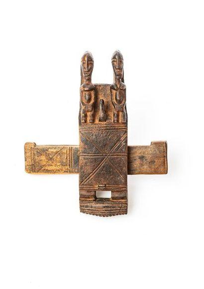 DOGON (Mali) Serrure de grenier en bois sculptée...