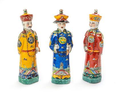 Ensemble de trois personnages en porcelaine...