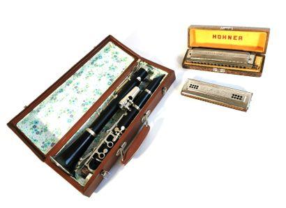 Musical Instruments  - A HOHNER 64 Chromonica...