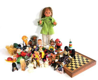 Lot of antique toys including a Gégé articulated...