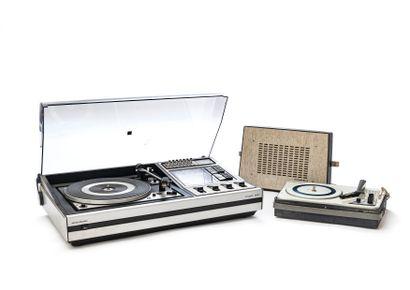 GRUNDIG amplified vinyl turntable with headphones,...