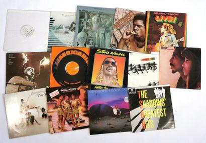 Set of fifteen 33T vinyl records various...