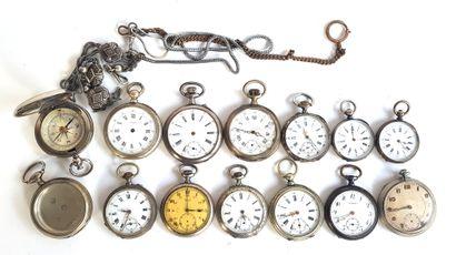 Douze montres de gousset en métal argenté...