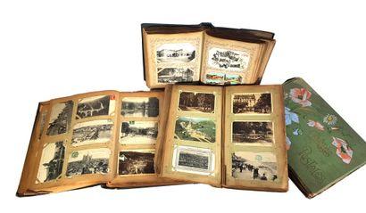 Quatre albums de cartes postales divers sujets...