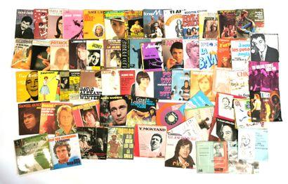 Ensemble de soixante-six disques vinyles...