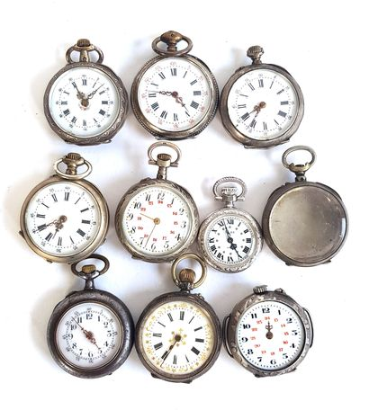 Neuf montres de gousset de dame en métal...