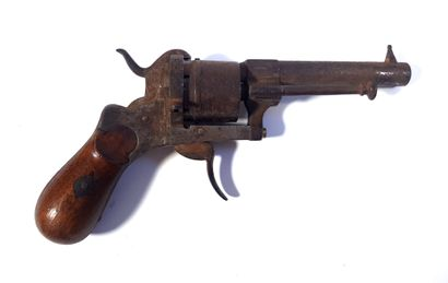 Revolver à broche  L. 18 cm  Mécanisme grippé...