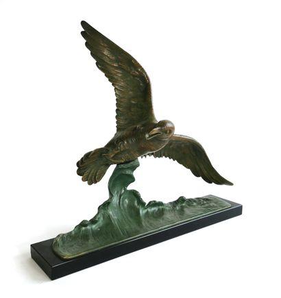 E. GUY, vers 1930  L'albatros  Bronze Art...