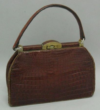 Sac vintage porté main en crocodile brun,...