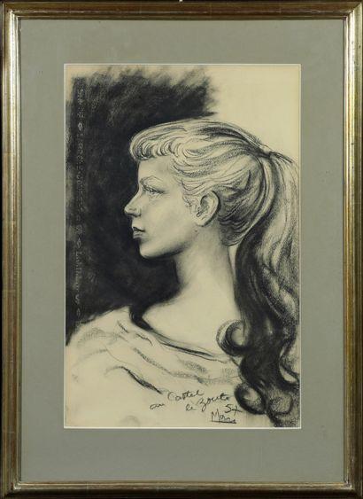 Marc (XXe siècle) Portrait de jeune fille Pastel au noir sur papier épais, signé...