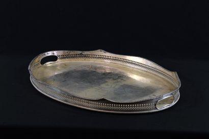 Grand surtout de table ovale en métal argenté...
