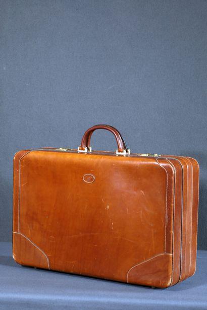 Etienne AIGNER, Valise vintage en cuir marron....