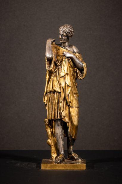 Diane de Gabies Sculpture en bronze doré...
