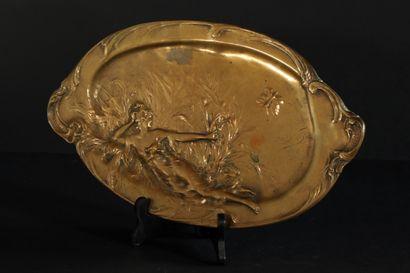 Anton NELSON (1849-1910) Plat en bronze patiné...