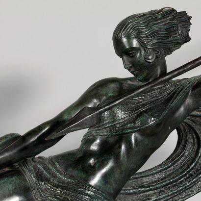 DEMETRE CHIPARUS (1886-1947) Sculpture en bronze à patine verte foncée figurant...