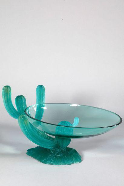 DAUM, Designer Hilton Mc Connico  COUPE « Arizona », 1990  En cristal transparent...