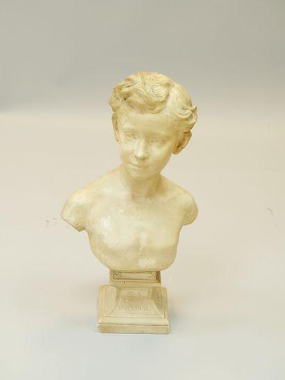 """Jean-Baptiste CARPEAUX (1827-1875) Buste en plâtre du Prince Impérial. Signé """"JB..."""