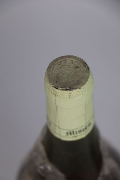 CHATEAU L'ETOILE.  Millésime : 1990.  3 bouteilles, e.t.a.