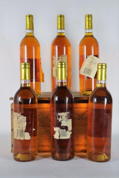CHATEAU D'ARCHE.  Millésime : 1990.  6 bouteilles, étiquettes se décollant, traces...