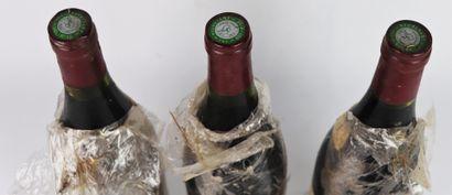 POMMARD 1ER CRU LES CHARMOTS.  PARIGOT.  Millésime : 1988.  3 bouteilles, e.t.a...