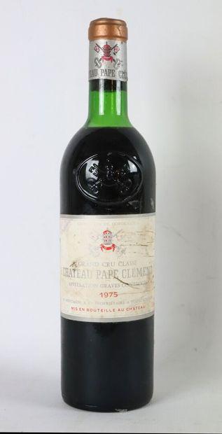 CHATEAU PAPE CLEMENT.  Millésime : 1975....